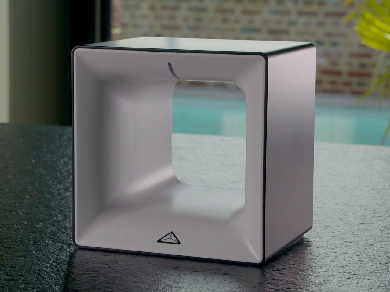 Enki : on a loué la box domotique de Leroy Merlin pour 1 euro par mois, avec un bouton connecté