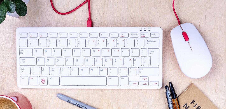 Le kit clavier/souris de la fondation Raspberry Pi officiel, il existe en AZERTY