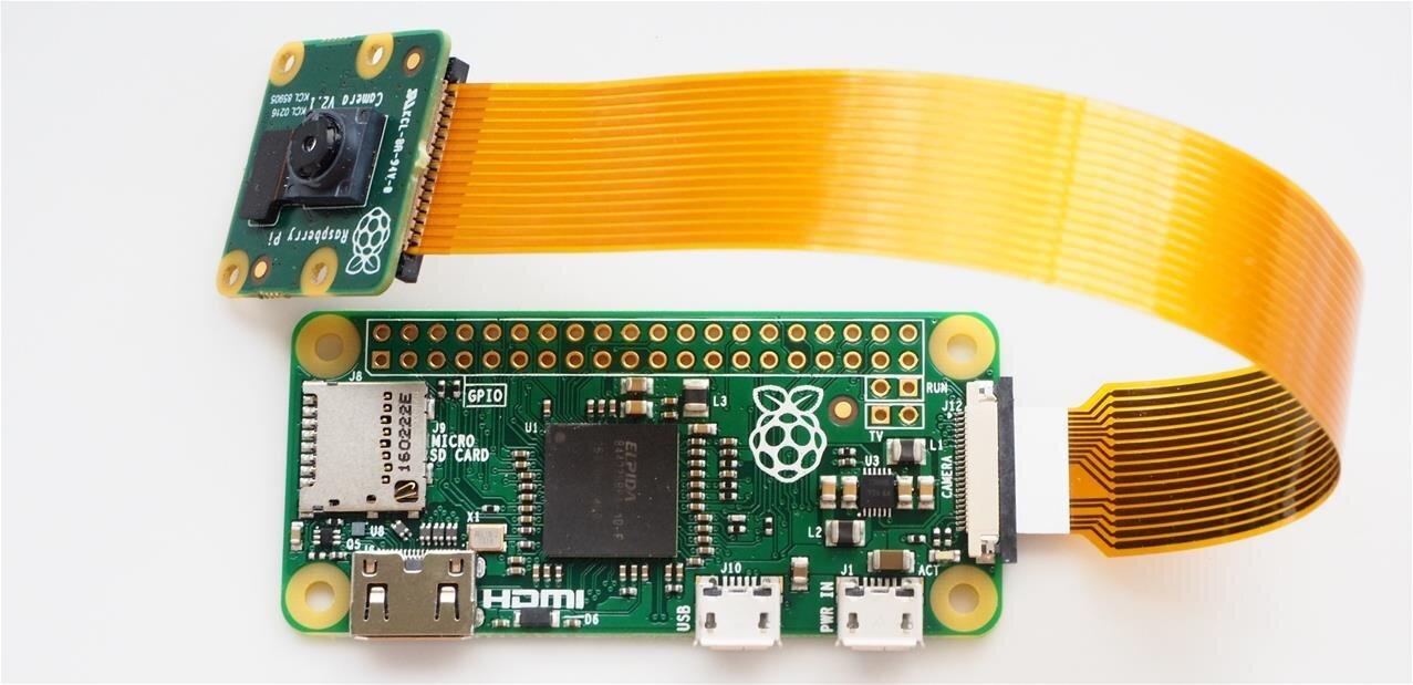 Raspberry Pi : Raspbian passe au Bluetooth, le Zero gagne un connecteur pour la Camera