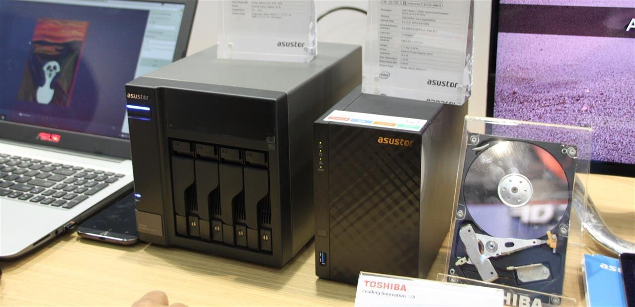 Asustor : unité d'extension AU6004T, ADM 3.0 et Surveillance Center 2.5